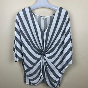 UMGEE TWIST FRONT TOP SIZE S